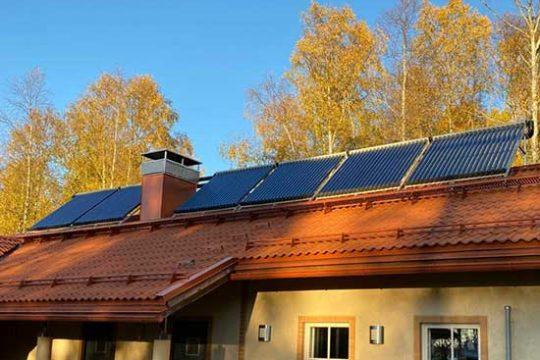 aurinkopaneelit-katolla